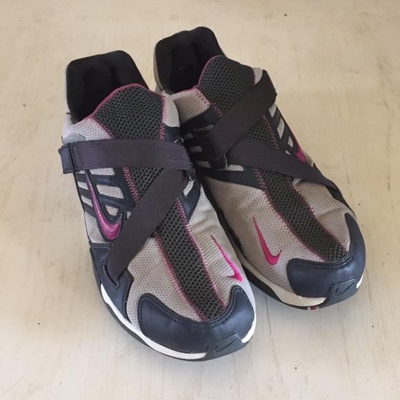(Nike) Velcro sneakers. M 5a7c918f5521beb12636fcd9 4eeea2858a43